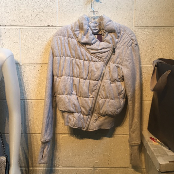 lululemon athletica Jackets & Blazers - Lululemon grey zip up puffy jacket  sz 4 59388